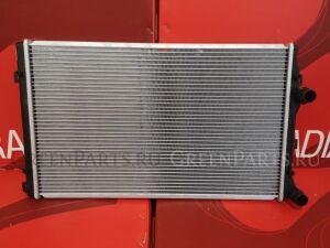 Радиатор двигателя на Volkswagen GOLF VI 5K1 CBZA