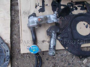 Корпус термостата на Toyota Town Ace CR30 2C-T