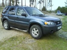 FORD ESCAPE 2004 года