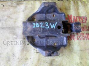 Крепление запаски на Suzuki Jimny JB23W F6A