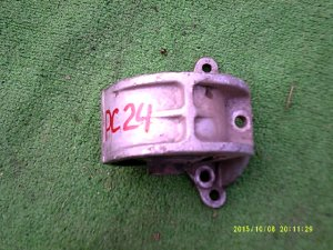 Подушка двигателя на Nissan Serena 24