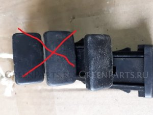Кнопка на Toyota Hiace KDH205/KDH206 2KD