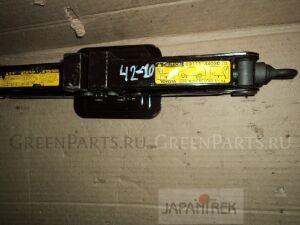 Домкрат на Toyota Alphard MNH15W 1MZ-FE