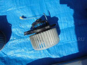 Мотор печки на Toyota Ipsum ACM21
