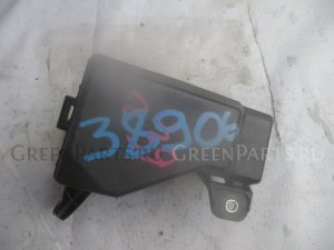 Блок предохранителей на Toyota Avensis AZT250 2AZ-FSE