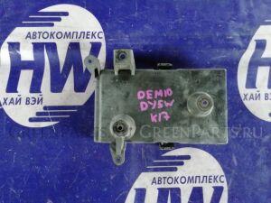 Подставка под аккумулятор на Mazda Demio DY3W ZJ
