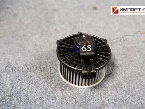 Мотор печки на Mazda Verisa DC5W ZY D57061B10