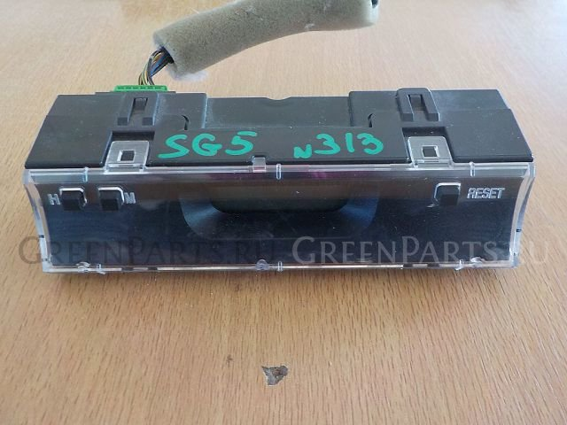 Часы на Subaru Forester SG5 313 /