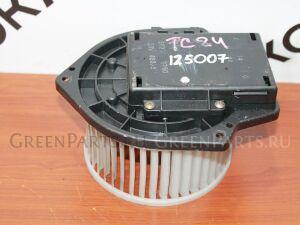Мотор печки на Nissan TC24 125 007
