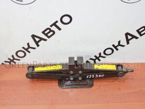 Домкрат на Toyota 125 360