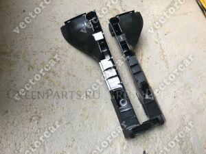 Крепление бампера на Toyota Hiace 200;TRH200;KDH200;KDH205