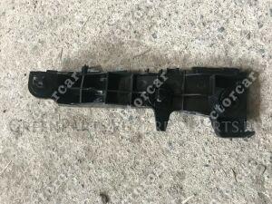 Крепление бампера на Toyota Fortuner GGN50;GGN60;KUN50;KUN51;KUN60;KUN61;LAN50;TGN51;TG