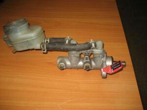 Главный тормозной цилиндр на Honda Civic EU1
