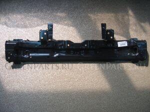 Рамка радиатора на Toyota Prius PHV ZVW52