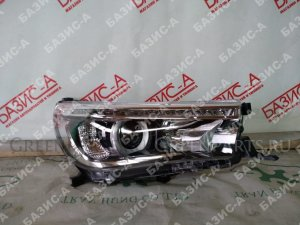 Фара на Toyota Hilux pick up GUN125, GUN126, GUN135