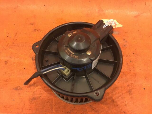 Мотор печки на Honda Orthia EL2