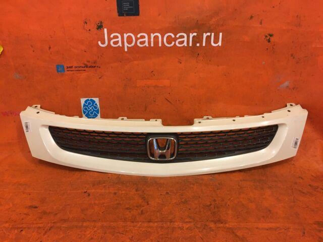 Решетка радиатора на Honda Stream RN1
