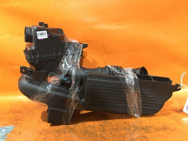 Корпус воздушного фильтра на Mazda Premacy CP8W FP-DE
