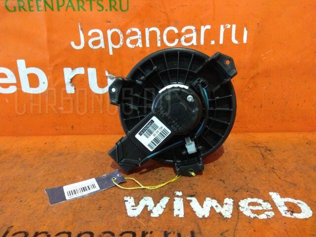 Мотор печки на Toyota Ractis NCP100