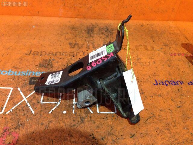 Подушка двигателя на Toyota Vitz KSP90 1KR