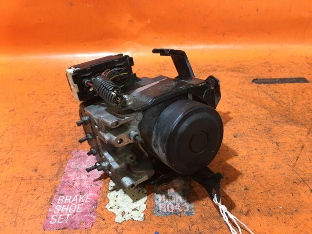Блок abs на Toyota MAJESTA UZS187 3UZ-FE