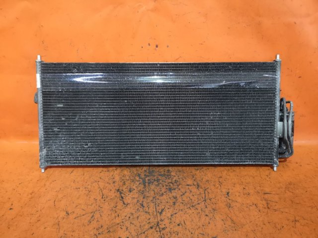 Радиатор кондиционера на Nissan Ad Van VFY11 QG15DE
