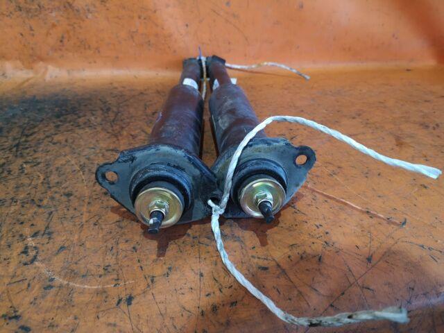 Амортизатор на Nissan Serena PC24
