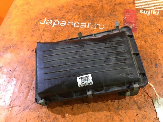 Корпус воздушного фильтра на Nissan Cube AZ10 CGA3DE