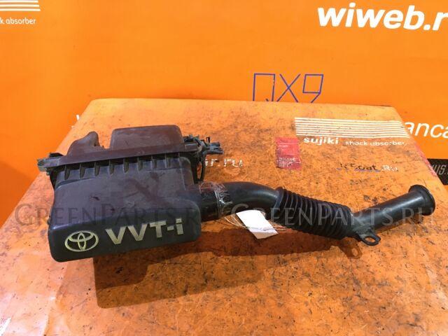 Корпус воздушного фильтра на Toyota Vitz SCP90 2SZ-FE