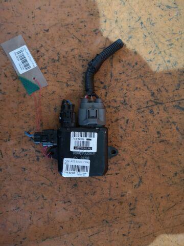Блок управления вентилятором на Nissan Lafesta B30, NB30
