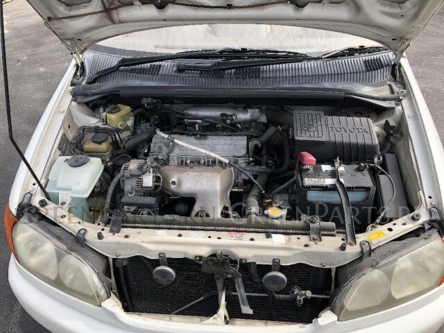 Замок капота на Toyota Ipsum SXM10G