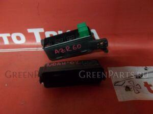 Блок предохранителей на Toyota Noah AZR60G 1AZ-FSE