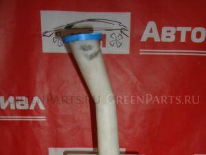 Бачок омывателя на Toyota Avensis AZT250 1AZ-FSE