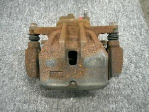 Суппорт на Toyota Alphard ANH25W 2AZ-FE