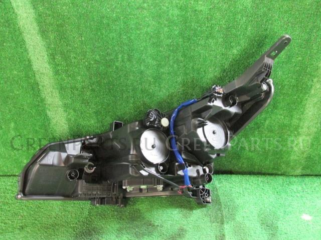 Фара на Nissan Leaf ZE1 EM57