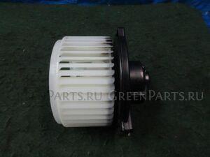 Мотор печки на Toyota Noah AZR60G 1AZ-FSE