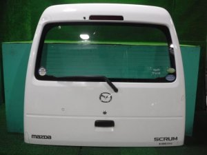 Дверь задняя на Mazda Scrum DG64V K6A