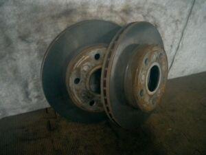 Тормозной диск на Toyota Mark II GX100 1G-FE