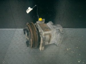 Компрессор кондиционера на Mazda Verisa DC5R ZY-VE