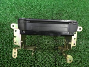 Автомагнитофон на Nissan Primera WTP12 QR20DE