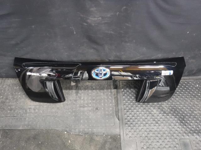Стоп-планка на Toyota Prius ZVW50 2ZR-FXE
