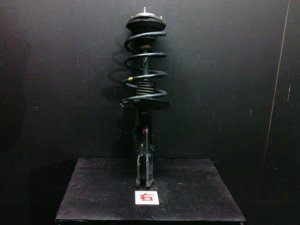 Стойка амортизатора на Toyota Voxy ZRR70W 3ZR-FAE