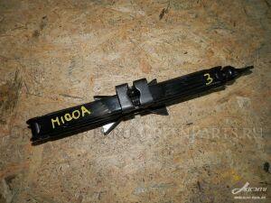Домкрат на Toyota Duet M111A, M110A, M101A, M100A K3-VE2, K3-VE, EJ-VE, EJ-DE