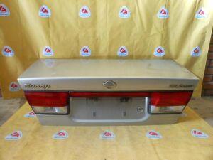 Крышка багажника на Nissan Sunny B15
