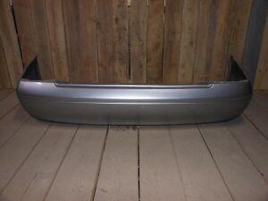 Бампер на Nissan Sunny B15 85022 8N040