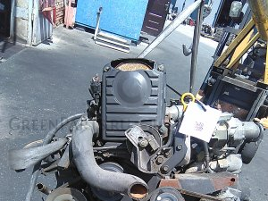 Двигатель на Nissan Serena C23 CD20ET