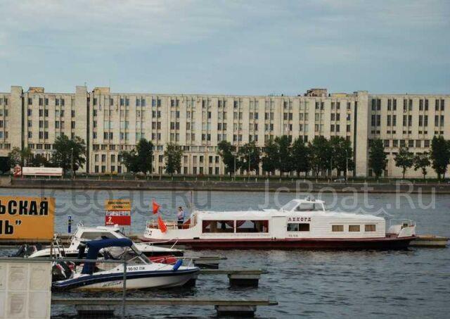яхта моторная 2009 г.