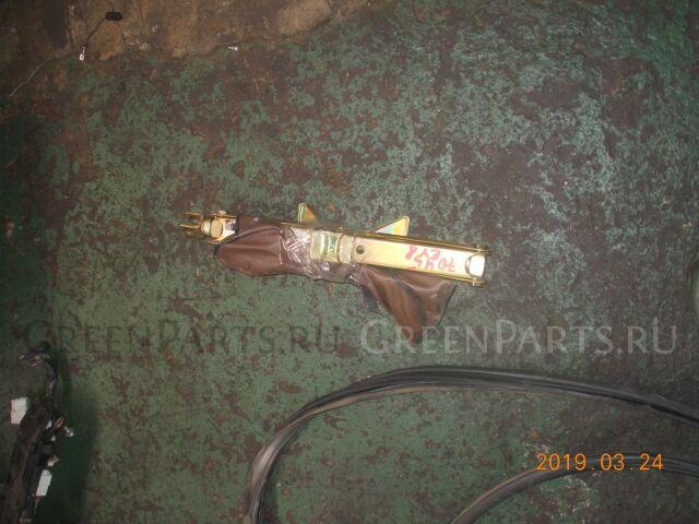 Домкрат на Honda Partner EY8 D16B