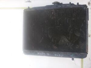 Радиатор на Mazda 121