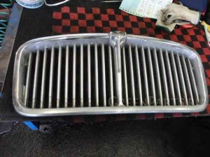 Решетка радиатора на Jaguar XJ SERIES 313785 L